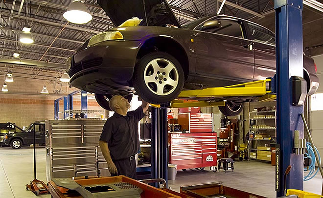 081215-IL-Older-vehicle-repairs-the-new-sweet-spot-for-dealerships